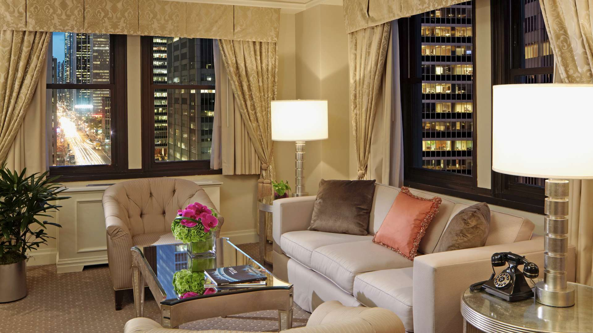 On the Avenue Suite, Warwick New York