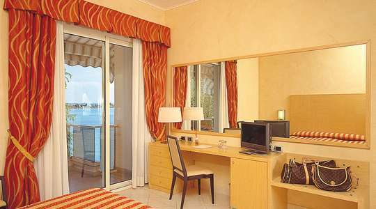 Double Room Side Lake View
