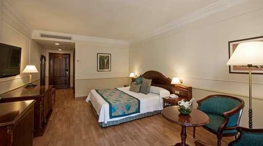 Colonial Standard Room