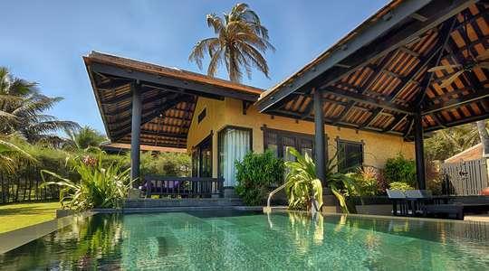 One Bedroom Beachfront Pool Villa