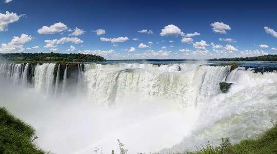 Rio Carnival & Iguazu Falls