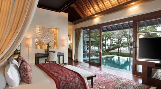 The Royal Santrian, Luxury Beach Villas