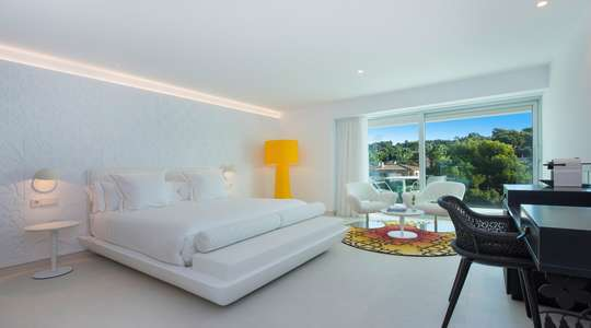 Junior Suite Side Sea View