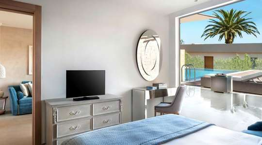 Deluxe Two Bedroom Bungalow Suite Garden View with Private Pool