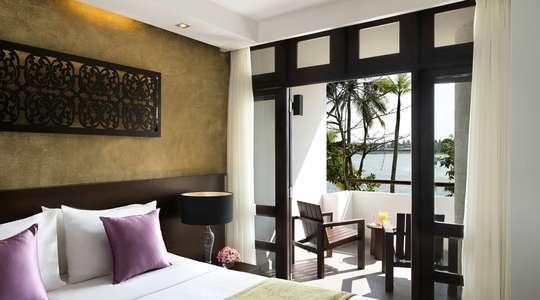 Superior Lagoonview Room