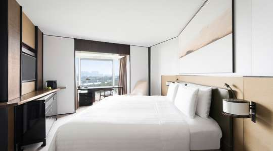 Horizon Club Deluxe Room (Tower Wing)