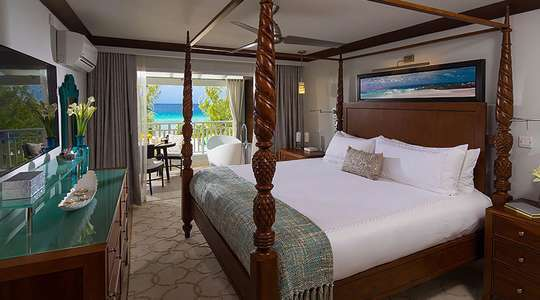 Beachfront One Bedroom Butler Suite with Balcony Tranquility Soaking Tub