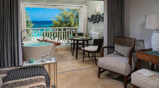 Beachfront Penthouse Club Level Suite with Balcony Tranquility Soaking Tub