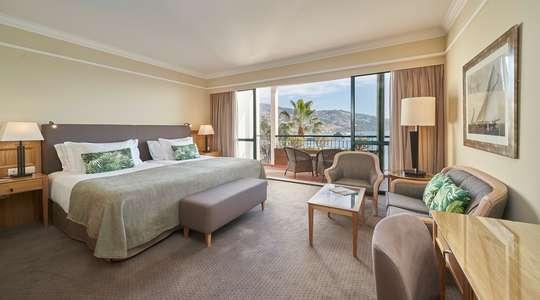 Twin Sea & Funchal Bay View Room