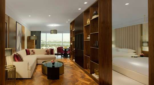 Grand Deluxe Family Room