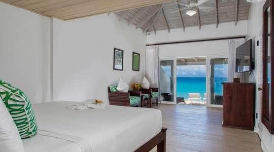 Superior Deluxe Beachfront Room