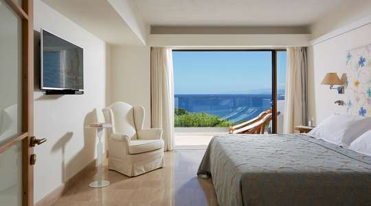 Classic One Bedroom Suite Sea View