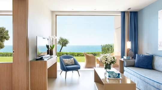 One Bedroom Family Suite Seaview
