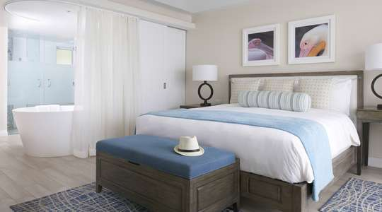 Grand Luxury Oceanfront Junior Suite