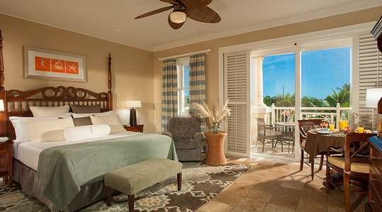 Beach House Luxury Club Level Room