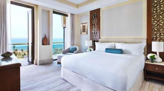 Executive Sea View Suite