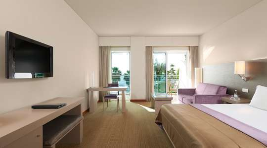 Standard Front Sea View Room