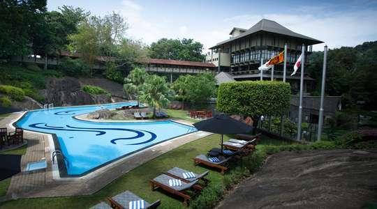 Earl's Regency, Kandy