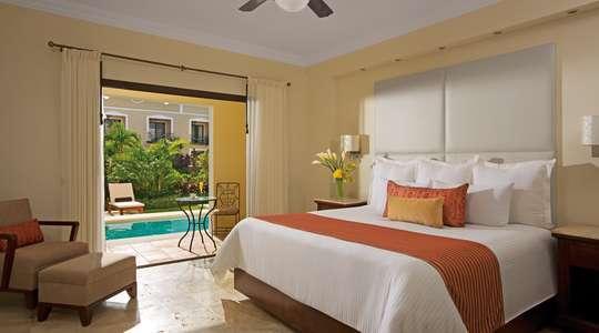 Preferred Club Deluxe Garden Swim-out Room