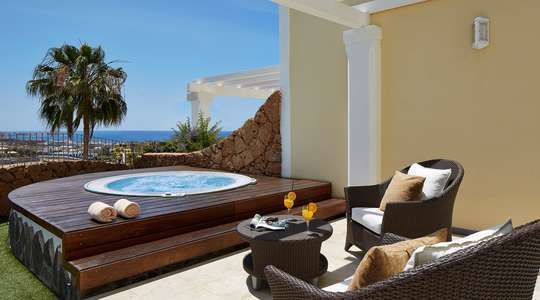 Two Bedroom Villa with Jacuzzi