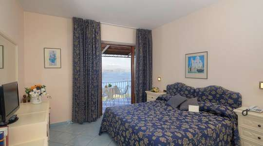 Superior Double Balcony Front Seaview Room