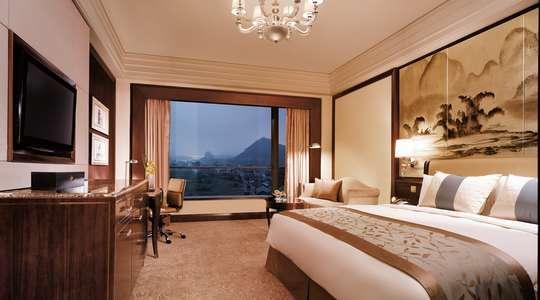 Deluxe Room, Shangri-La Guilin
