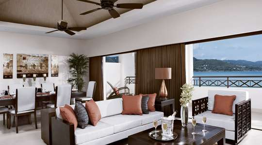 Preferred Club Presidential Suite Oceanfront