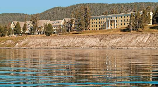 Lake Yellowstone Hotel & Cabins