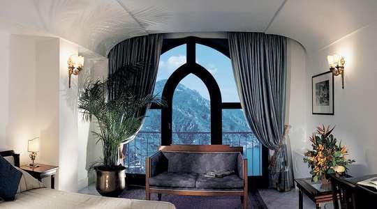 Queen Mountain Side Room