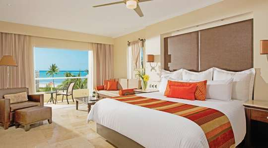 Preferred Club Oceanfront Junior Suite