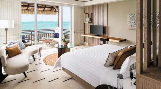 Junior Suite Frangipani Oceanview