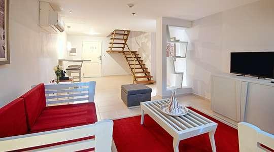 Duplex Capri Room